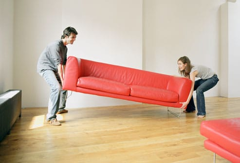 Annonce job étudiant / petit boulot : aides déménageurs recherchés