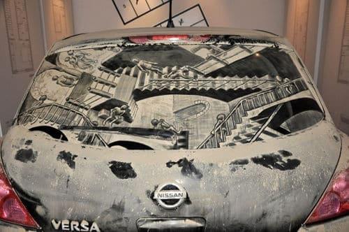 Nettoyer le pare brise de votre voiture au Coca-Cola