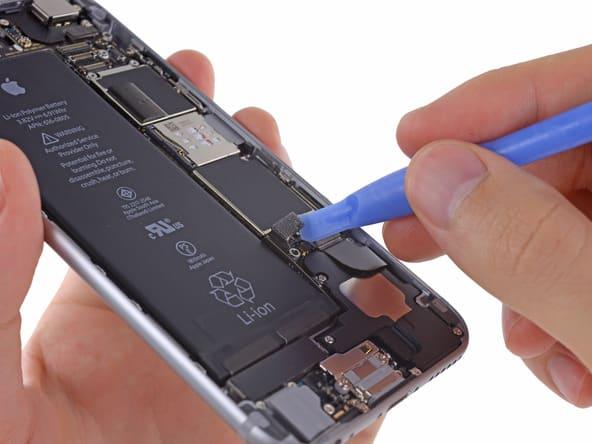 retirer la nappe de la batterie de l'iphone