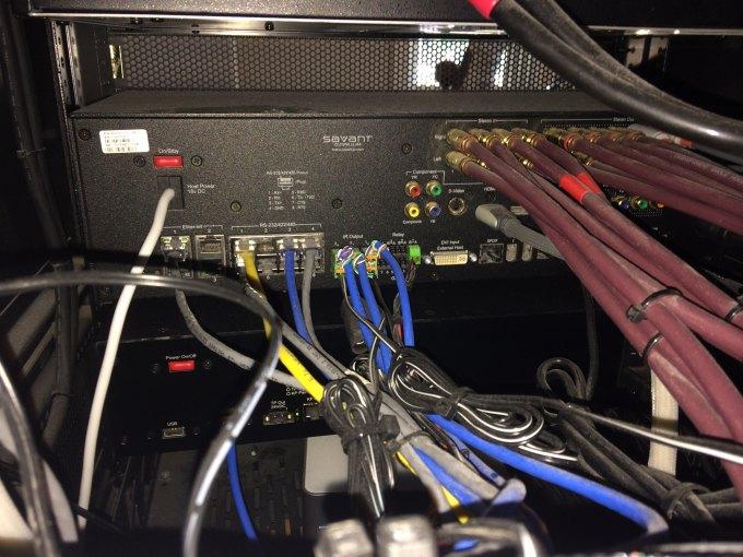 beaucoup de cables electriques