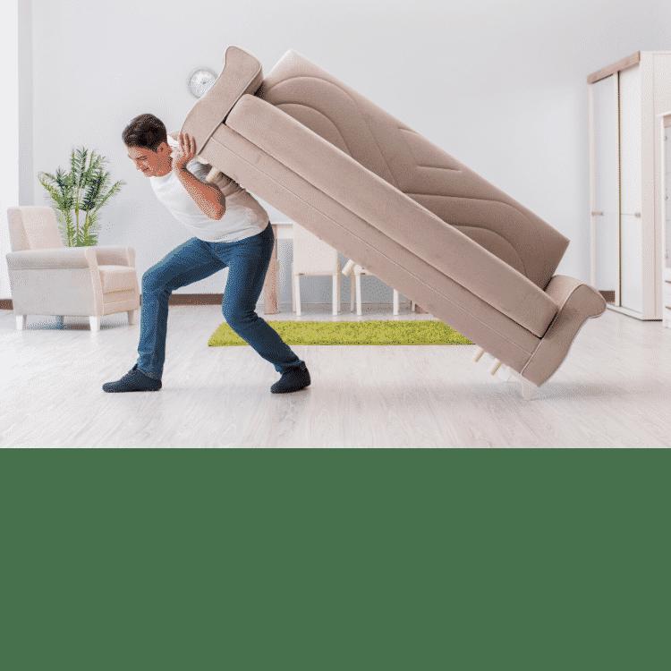photo d'un homme qui porte un meuble